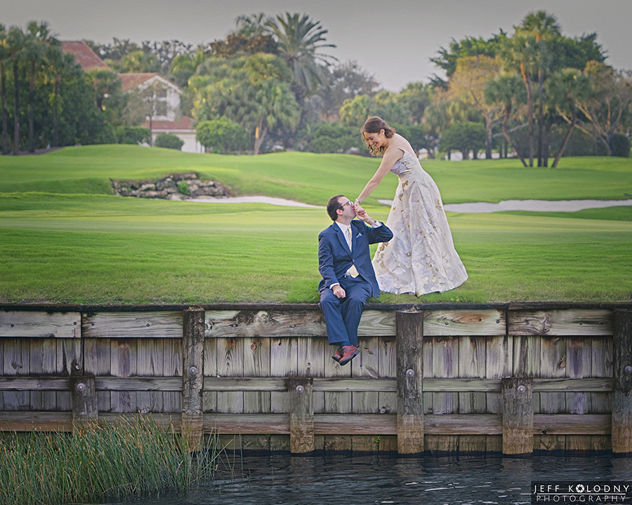 You are currently viewing How to choose the best South Florida Wedding Photographer.